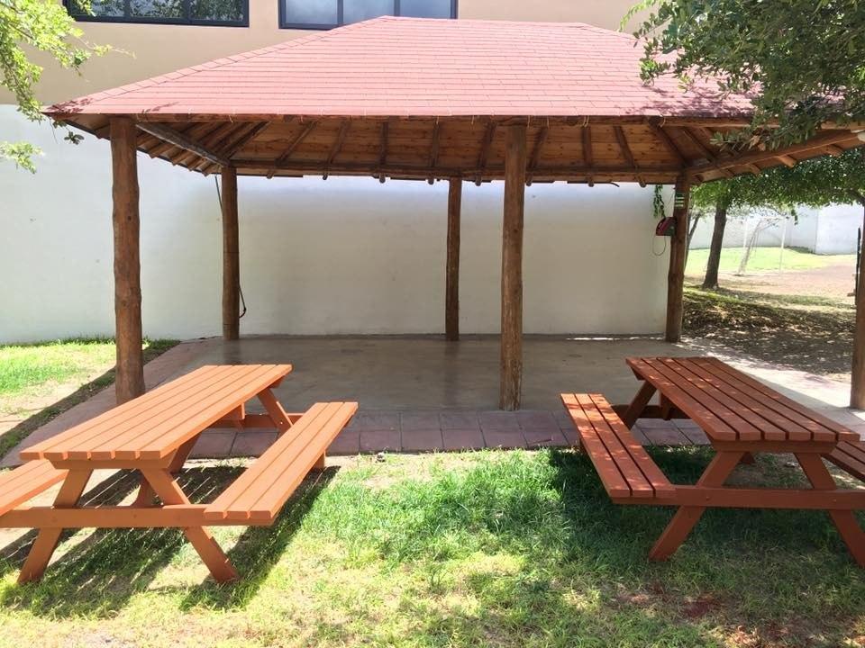 Mesa d madera picnic 2 metros para exterior mesas y for Mesa de picnic madera