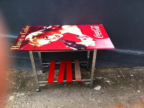 mesa da coca cola retro adesivada pin up  carrinho bebida