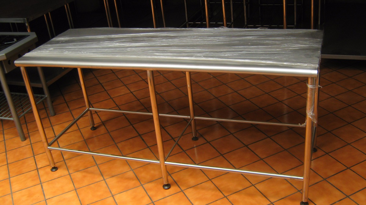 Mesa de acero inoxidable para restaurantes de 2 niveles for Cocinas de acero inoxidable para restaurantes