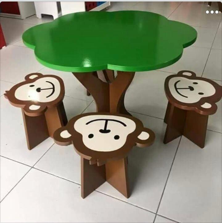 Mesa De árbol Con Sillas De Changuitos Infantil Para Niños