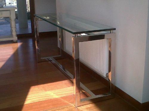 Mesa de arrimo en acero inoxidable y vidrio en - Mesa centro madera y cristal ...