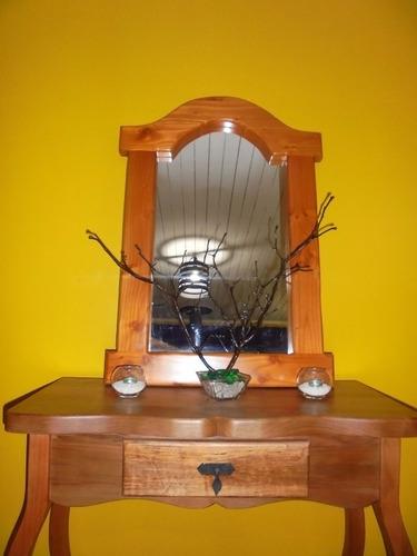 mesa de arrimo y espejo pino oregon,se venden por separado!!