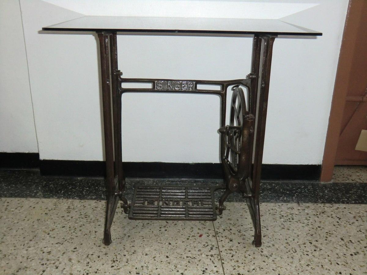 Mesa de base de maquina de coser singer antigua con vidrio for Bases de mesas cromadas