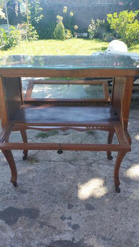 mesa de centro buena madera y herrajes en bronce