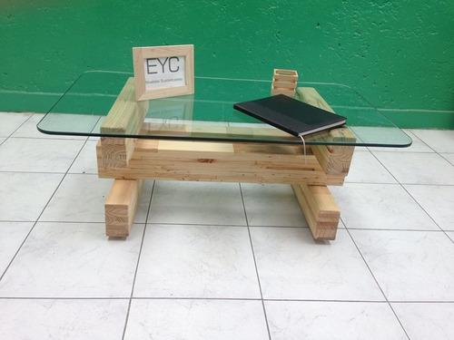 mesa de centro con vidrio madera tarima sustentable