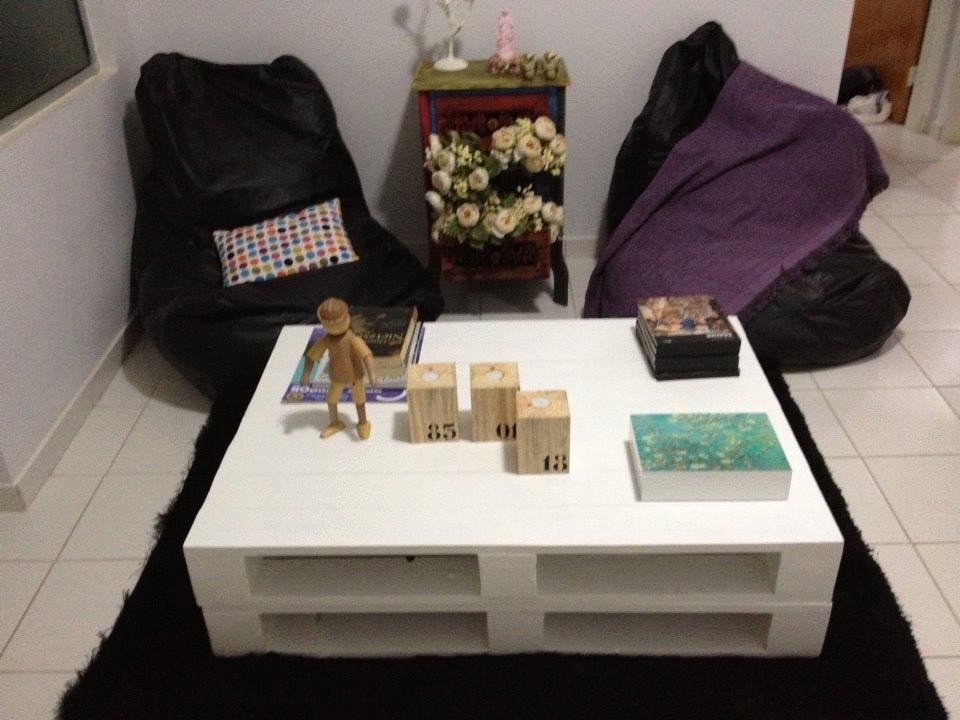 Mesa de centro de pallets pintada de branco r 260 00 em - Mesa centro palets ...