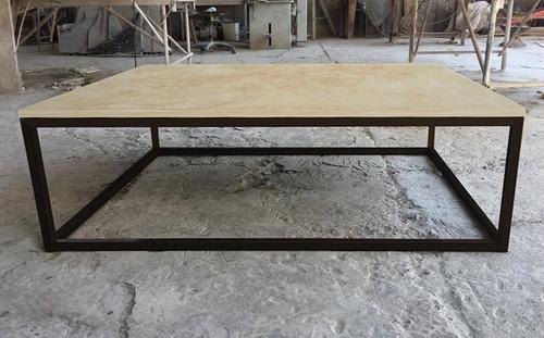 mesa de centro mármol travertino base hierro minimalista