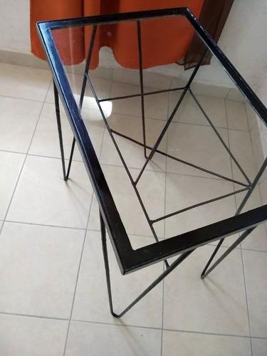 mesa de centro metálica y cristal resistente movible