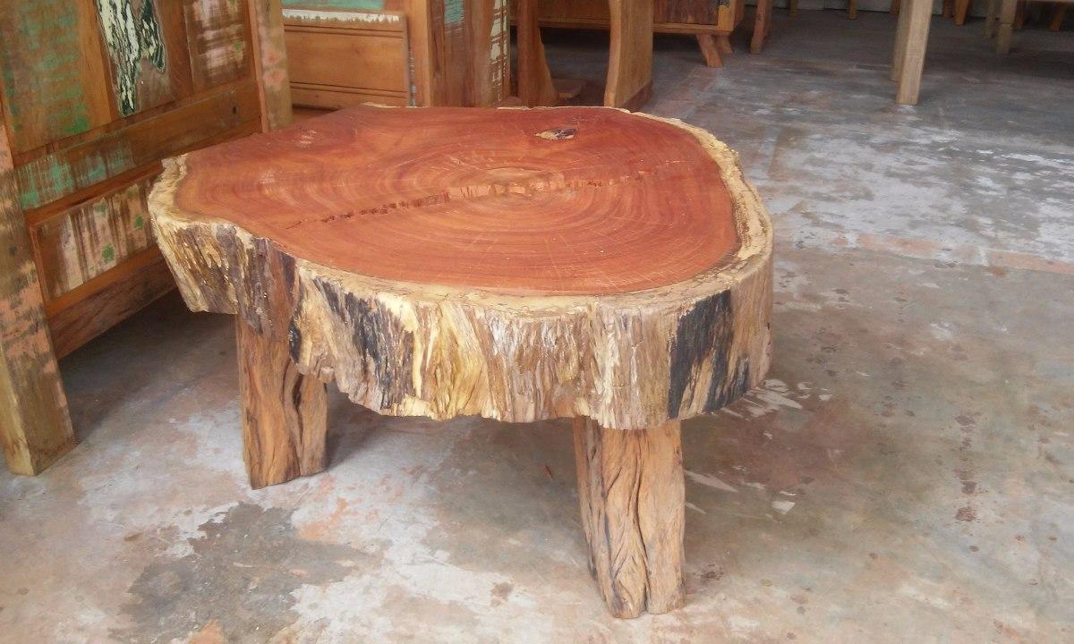 Mesa de centro r stica com p s de madeira de demoli o for Mesas de centro grandes