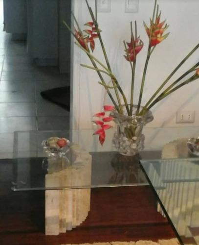 mesa de centro sala. mármol y cristal biselado