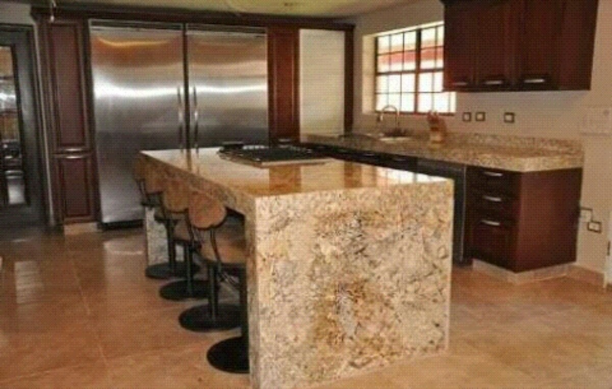 Mesa de centro y sala de marmol granito cuarzo s 79 00 for Marmoles y granitos para cocinas