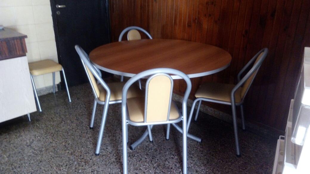 Mesa De Cocina Redonda.impecable - $ 2.000,00 en Mercado Libre