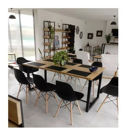 Mesa De Comedor Con 8 Sillas Eames Negras. Estilo Industrial