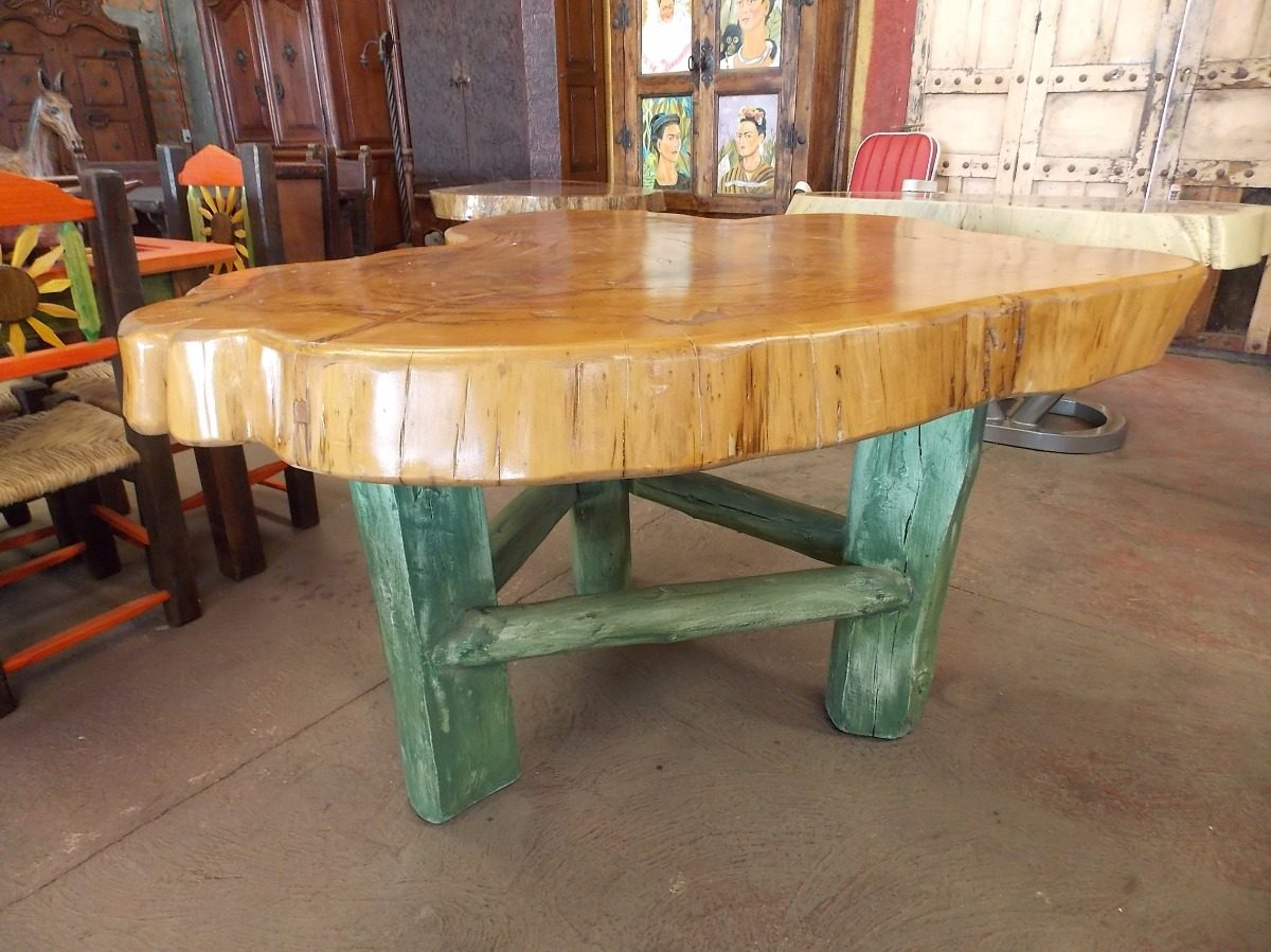 Mesa de comedor con rodaja madera de sabino estilo antiguo for Comedores antiguos de madera