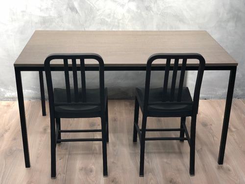 mesa de comedor de estilo industrial símil madera