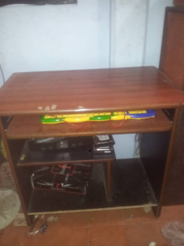 mesa de computadora de madera desmontable