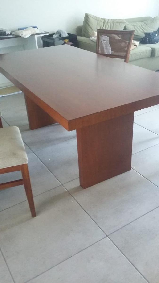 Mesa De Diseño Comedor Guindo Con 4 Sillas Tapizadas - $ 28.000,00