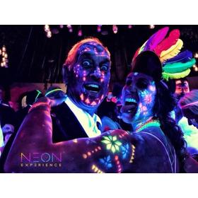 Mesa De Dulces Con Fiesta Neon Para 100 Pers