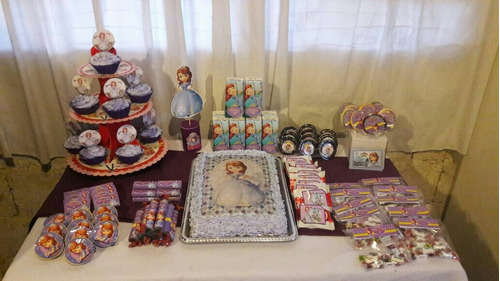 mesa de dulces para 10 niños