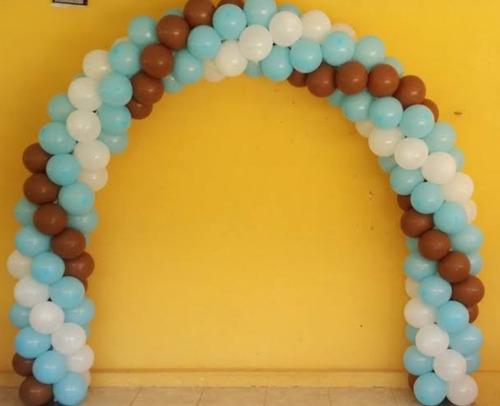 mesa de dulces y arco de globos en durango