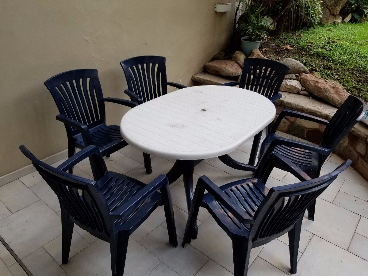 Mesa De Exterior Hartman Con Seis Sillas Plasticas - $ 5.700,00 en ...
