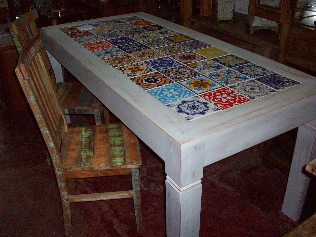 Mesa de jantar com tampo de azulejo decorados r for Como colocar azulejo