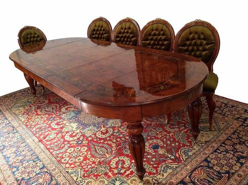 mesa de jantar estilo clássico em madeira marchetada
