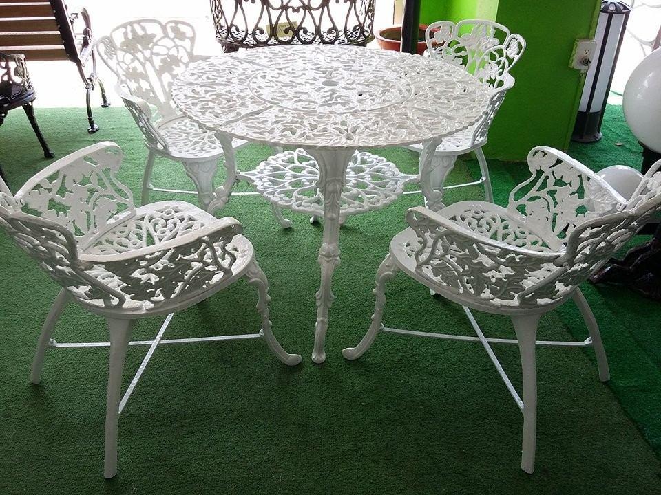 Mesa de jardin de aluminio fundido con 4 sillas 7 600 for Mesa y sillas plastico jardin