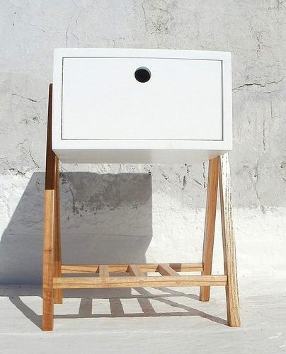 mesa de luz de mdf 18 mm de espesor y patas de paraíso