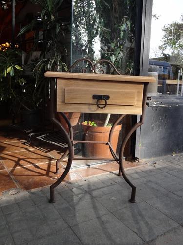 mesa de luz - hierro madera