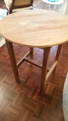 mesa de madera.