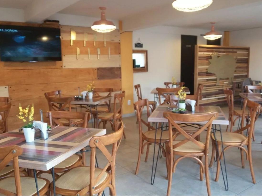 Mesa De Madera Con Sillas Crossback Madera Restaurantes - $ 9,500.00 en  Mercado Libre