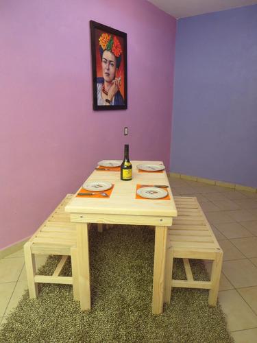 mesa de  madera   de  80x124  cm  mas 2 bancas