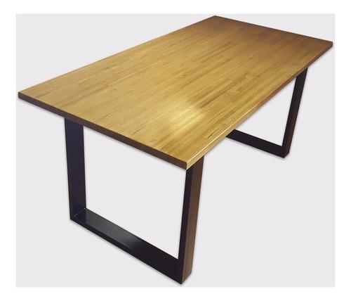 mesa de madera maciza con patas metálicas