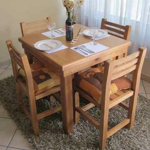 Mesa de madera mas 4 sillas pino nacional para bar for Sillas de madera para bar
