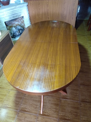 mesa de madera ovalada extensible lustrada estilo inglés