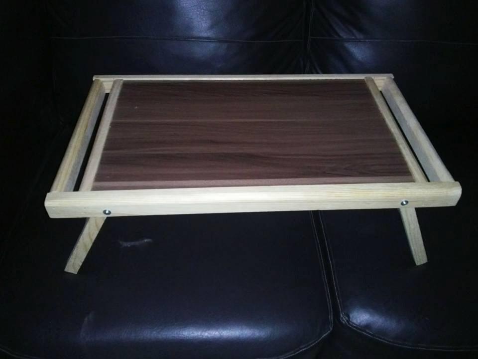 Mesa de madera plegable para servicio a cama en - Mesas plegables de pared ...