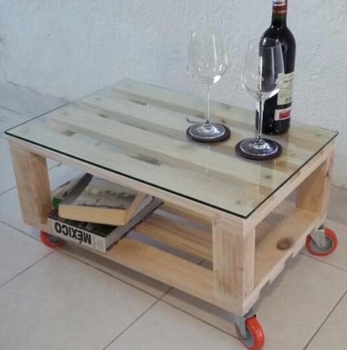 mesa de madera vintage minimalista