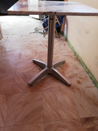 mesa de mármol de 60×60 con base de 75cm de alt
