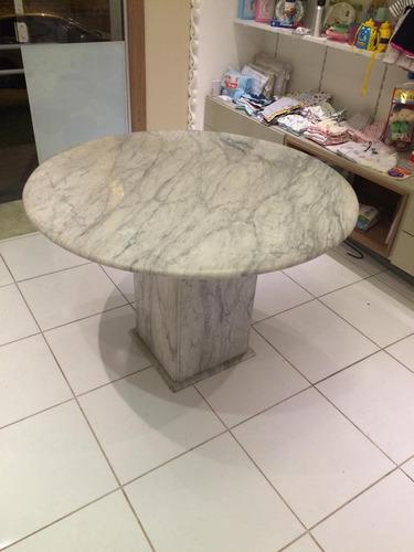 mesa de mármore redonda
