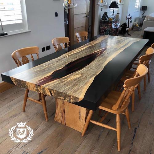 mesa de parota con resina negra 2.90x1.00