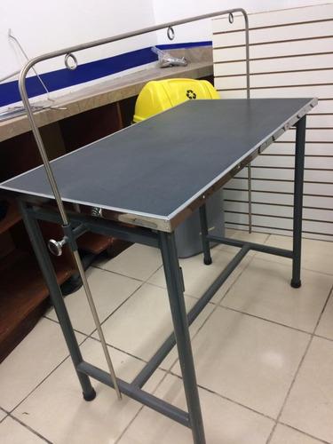 mesa de peluquería canina con arco fabricado en acero inoxid