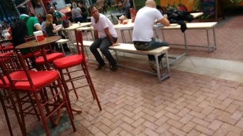 mesa de picnic 3,00x90cm com cadeiras para locação.