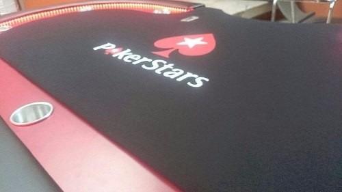 mesa de poker con  luz led y logotipo personalizado