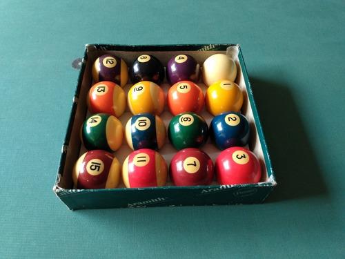 mesa de pool + equipo completo de juego.