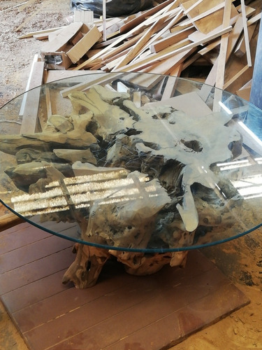 mesa de raíz de arbol