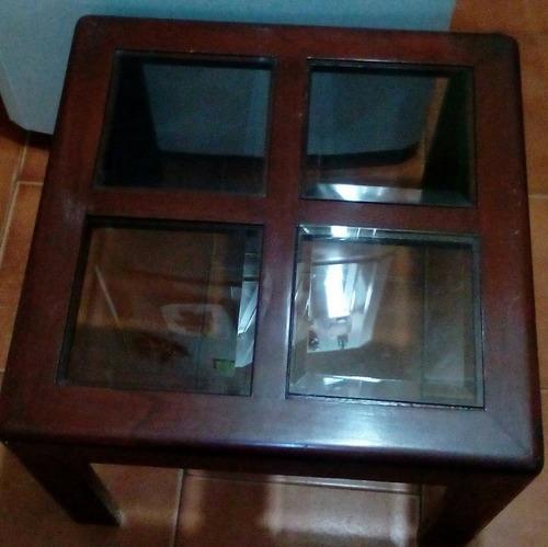 mesa de recibo con vidrios biselados