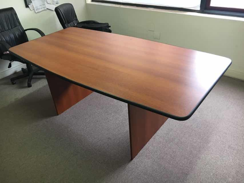 Mesa De Reunión Para Oficina - $ 8.500,00 en Mercado Libre