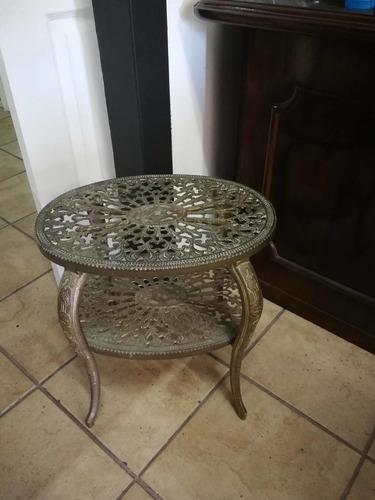 mesa de sala antigua de bronce
