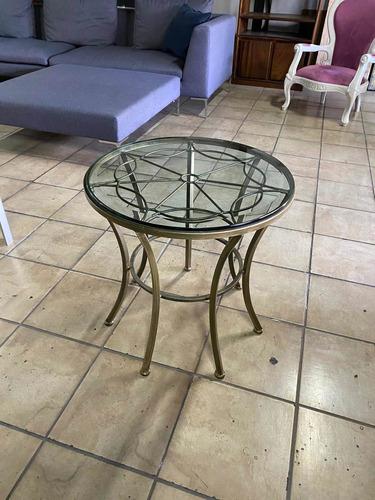 mesa de sala en hierro forjado y vidrio biselado , importada